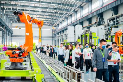 La fábrica inteligente de grúas torre de Zoomlion, ubicada en la ciudad de Changde en Hunan, China central. (PRNewsfoto/Xinhua Silk Road)