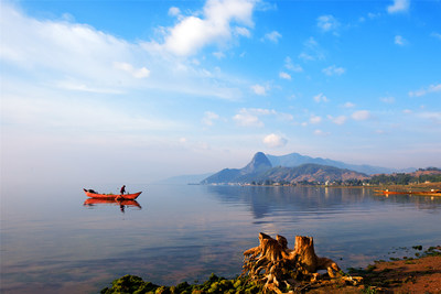 Photo shows the scenery of Fuxian Lake, in Yuxi, southwest China's Yunnan Province. (Photo: Jin Yunlong)